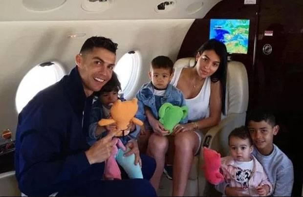Ronaldo Sering Minta Pacar Tidur Cuma Pakai Lingerie