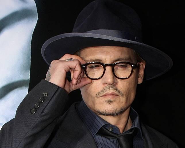 Johnny Depp Ancam Bakar dan Tenggelamkan Amber Heard
