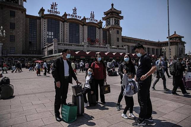 Kereta api di China mengangkut sedikitnya 18,3 juta penumpang pada hari pertama musim mudik liburan Hari Buruh, Sabtu (1/5). Ilustrasi