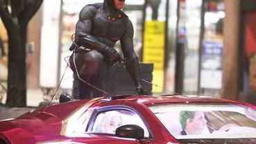 《自殺特攻隊》畫面再曝光 蝙蝠俠現身! 飛車追逐大戰小丑