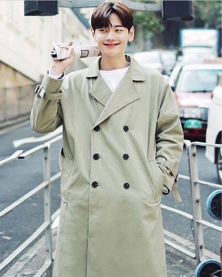 10 Foto Aktor Park Ji Hoon Yang Meninggal Karena Kanker Tetap