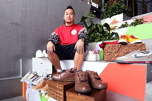 (圖02)波鞋收藏家Jeff@Soleaddicttunds 鍾情香港本土文化,特別喜愛Michael Lau創作的聯乘波鞋。