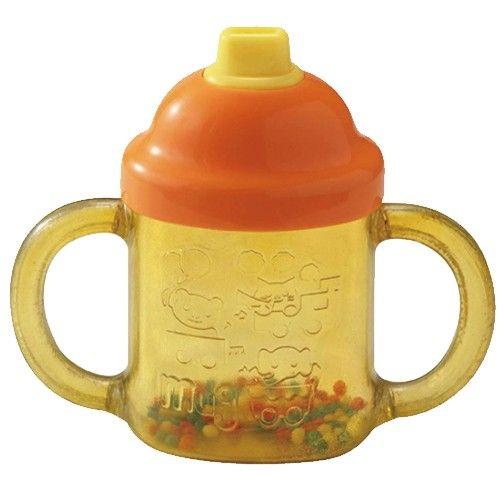 採用寶寶熟悉的訓練杯造型,讓寶寶很自然的可以拿起來玩。不管是吸或吹都有聲音,因為聲音是由寶寶自己吹出,所以趣味性更高呢!。玩的同時還能訓練肺活量! 搖搖看~會發出清脆的沙沙聲喔!。2側都有把手,好拿取
