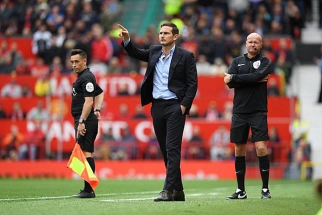 Lepas dari Hukuman Transfer Chelsea Langsung Beli Fullback Inggris