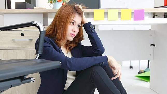 4 Tips Menjaga Kewarasan saat Dilanda Rasa Bosan di Tempat Kerja