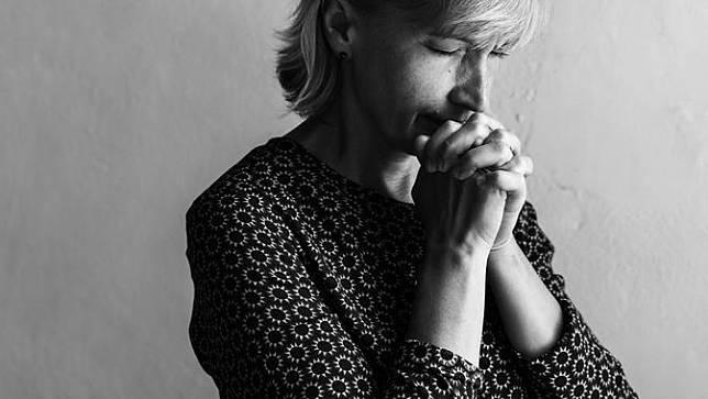 40 Kata Kata Mutiara Tentang Berdoa Dalam Bahasa Inggris Mendekatkanmu Kepada Tuhan Bola Com Line Today