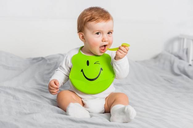 Cara Sehat dan Menyenangkan Memberikan MPASI pada Bayi