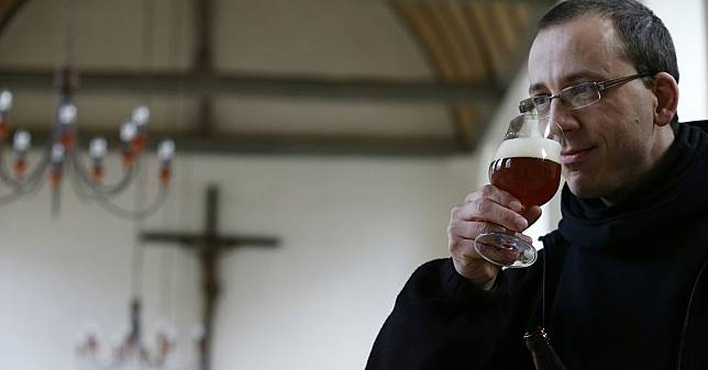 เบียร์สงฆ์ บาทหลวง