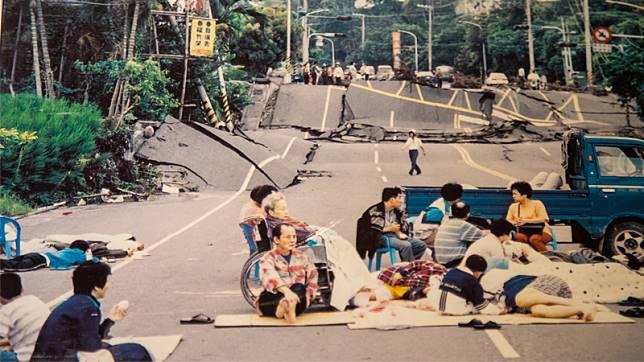 【921特輯】20年後的你 走過餘震的每一天,不能把爸媽還你,只能與你作伴