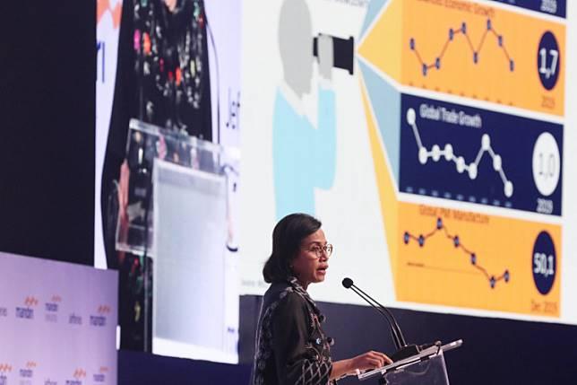 Finance Minister Sri Mulyani Indrawati gives a speech at the Mandiri Investment Forum 2020 in Jakarta, Wednesday.