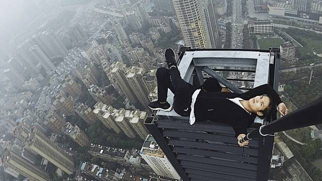 Family of Chinese rooftopper killed in fall sue live-streaming app, win US$4,300 compensation