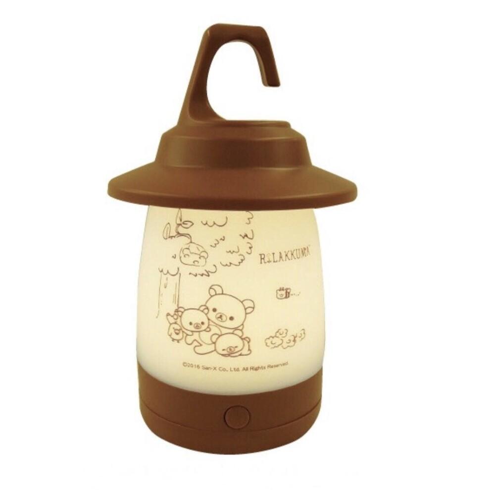 史奴比 snoopy 露營燈 燈籠型led燈有足夠的亮度因為內置了四個高功能的黃色led 它也可以用作營地和兒童房間的夜燈以及日常使用 2 way規格可以連接到蓋的上下兩側 如果您使用底部蓋子的衣架您
