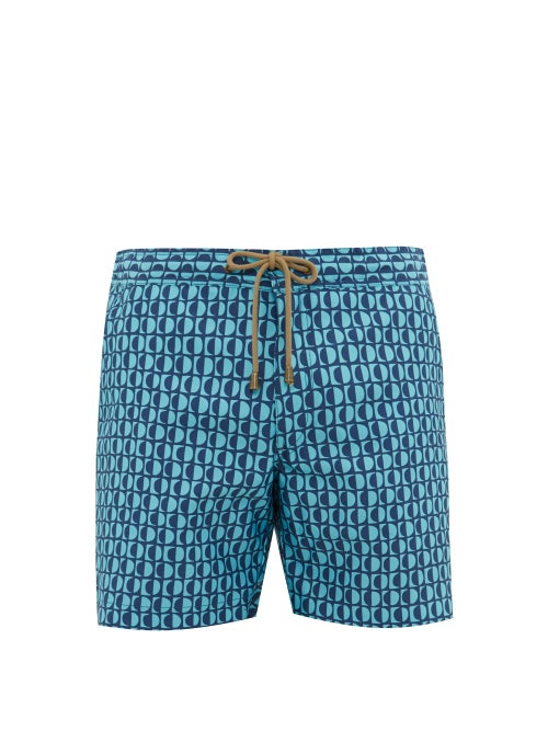 Thorsun - Create a mesmerising getaway look with Thorsun's blue Luna swim shorts. They're crafted fr