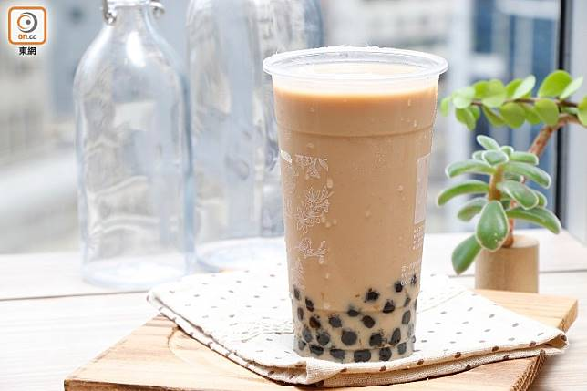 一日1杯珍珠奶茶,每天額外攝取500多卡熱量,一星期後可增1磅!(郭凱敏攝)