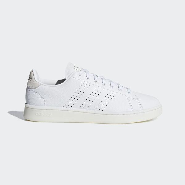 皮革鞋面透氣舒適 一體成型式設計展現如襪般的舒適感 泡棉中底締造避震緩衝耐用的橡膠外底
