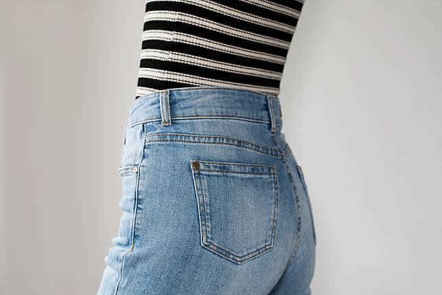 เลือกกางเกงยีนส์ ให้เหมาะกับรูปร่าง เท่ชิคแบบคูณ สอง พรางหุ่นให้ดูเป๊ะ