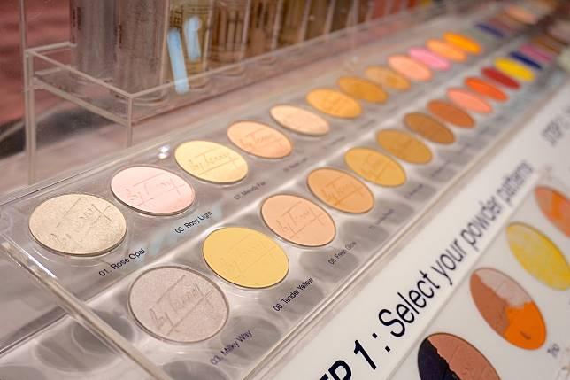 共有62個顏色隨大家mix & match。