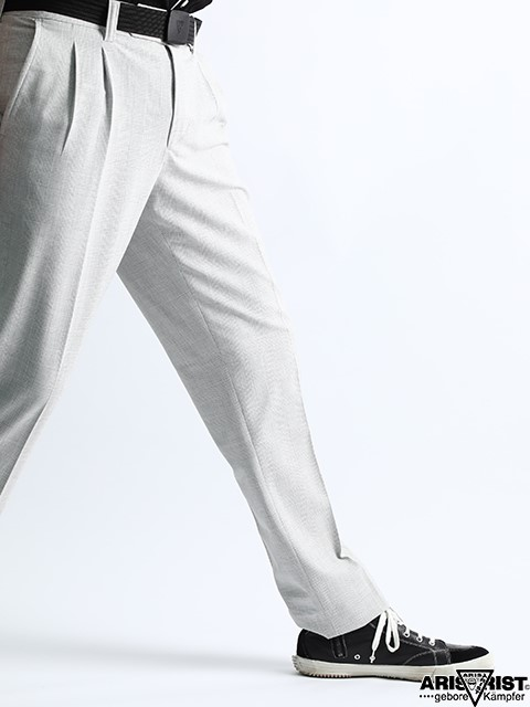 WHITE_CHECK_PLEAT_PANTS_1.jpg