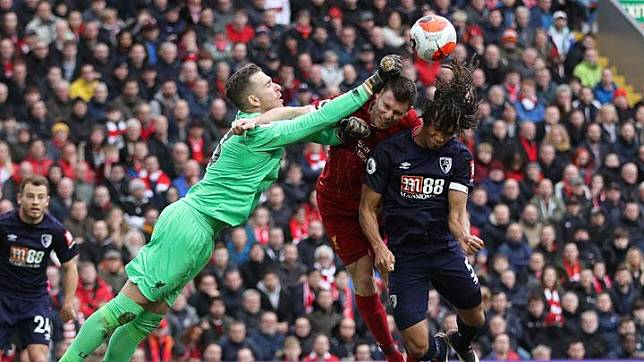 Rio Ferdinand Dukung Penghentian Liga Inggris, Nasib Liverpool?