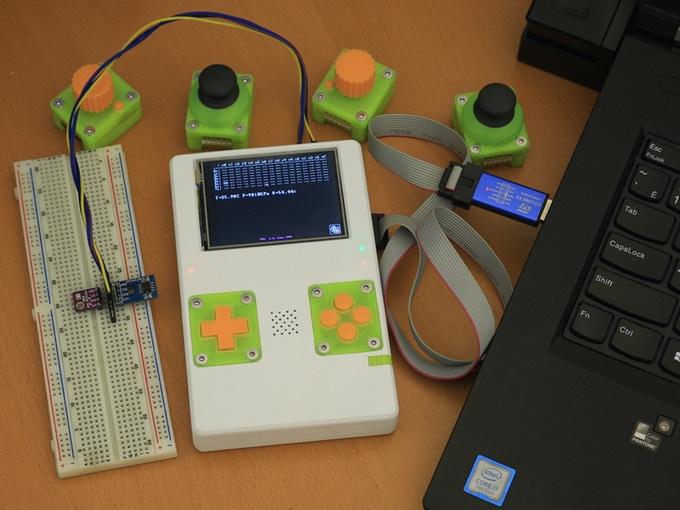 土砲遊戲機套件再一發,DevBoy 還有多種可替換控制器模組