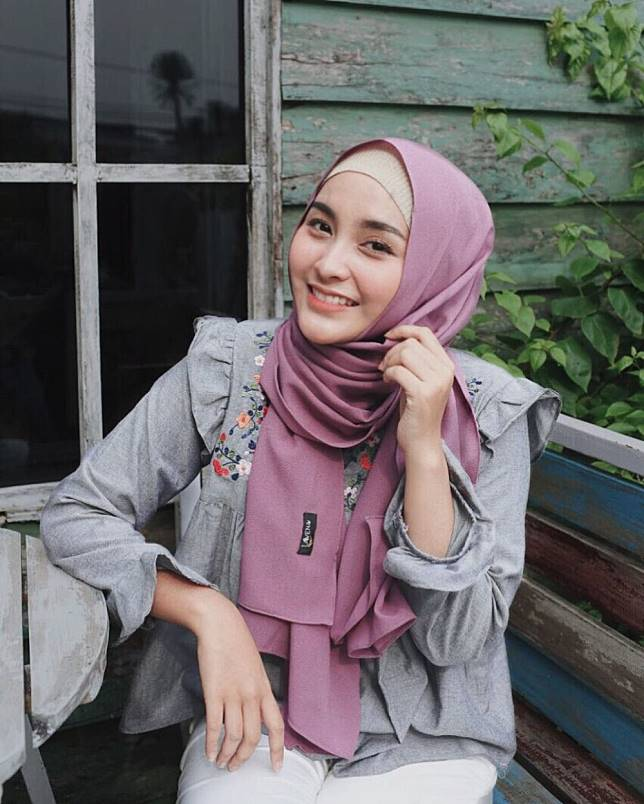 Image result for hijaber cantik