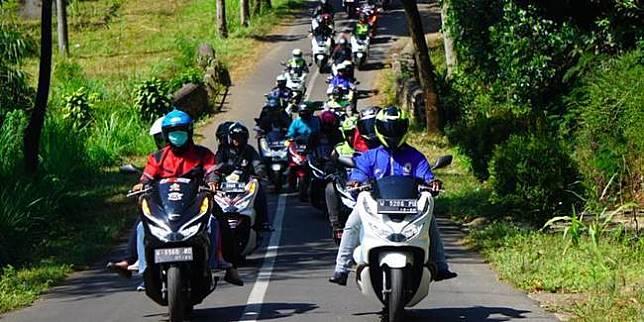 Touring Honda PCX (Istimewa)