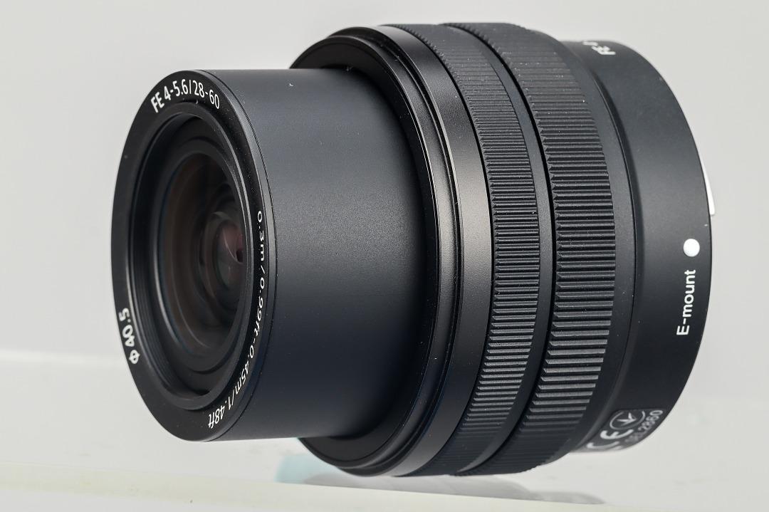 新推出的 Kit 鏡為 28-60mm F4-5.6,採用收納設計以縮減體積。