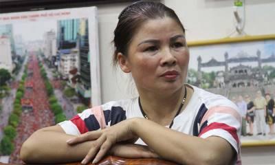 Mẹ Quang Hải 'đứng hình' giây phút con gục xuống sân