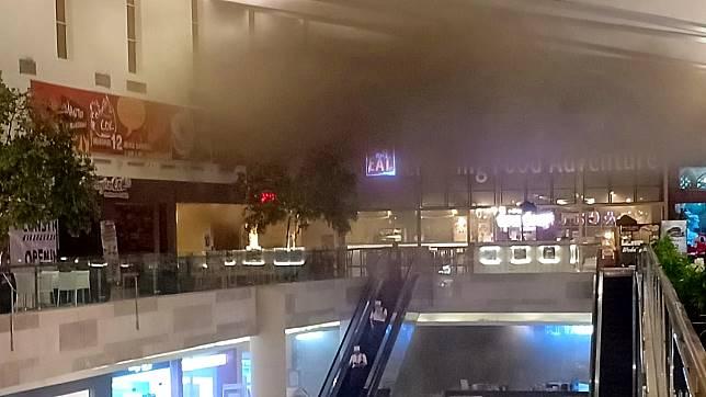 Kebakaran di Mal Pejaten Village Berasal dari Ruang Panel Kontrol