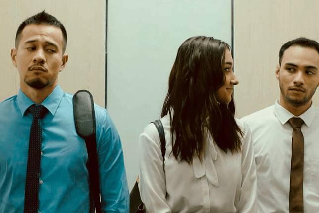 6 Film Romantis Indonesia yang Sukses Bikin Jatuh Cinta