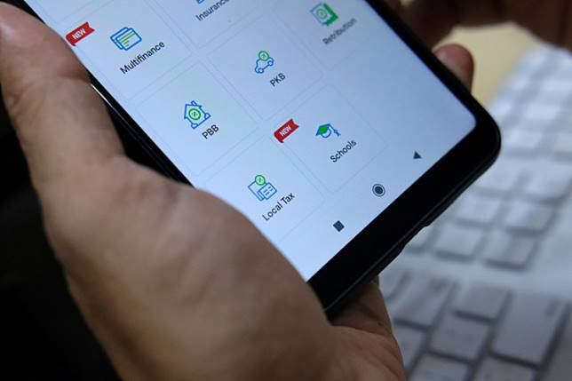 Display features of school fees payment in the GoJek app's GoBills.