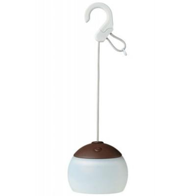 有一般亮燈模式、晚安模式、燭光模式,適合夜晚的各種情境。最大亮度可達100流明,掛勾可以吊掛使用可使用USB供電/充電,可對應燈籠花-充電電池組(ES-071)使用
