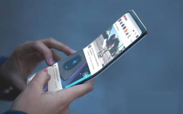พาชมคอนเซ็ปต์ Galaxy X สมาร์ทโฟนจอพับได้ของ Samsung ที่คาดว่าจะเปิดตัวต้นปี 2019