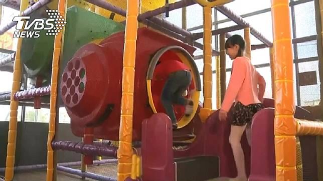公共遊戲區竟有得腸病毒的兒童。示意圖/TVBS