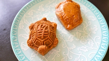大稻埕老店,古早甜點一次買 十字軒糕餅舖 台北迪化街伴手禮 壽桃+福氣花生龜~