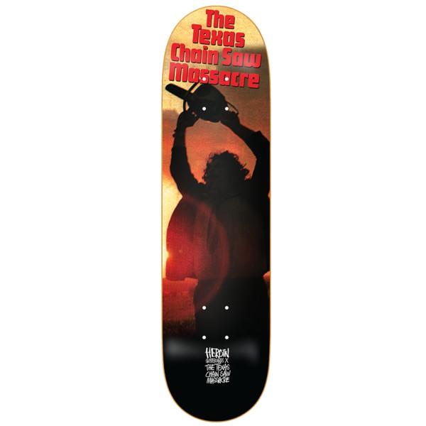 """與德州電鋸殺人狂聯名,非常經典且驚悚的一部電影,不管蒐藏還是街滑都很適合。Heroin品牌由英國出生的藝術家Mark""""Fos""""Foster創立,以Fos對""""滑板運動""""的成癮命名。"""
