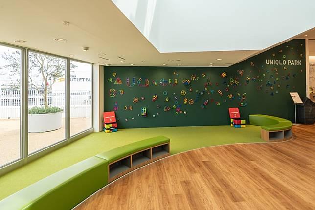 店舖室內空間也預留了兒童玩樂區。(互聯網)