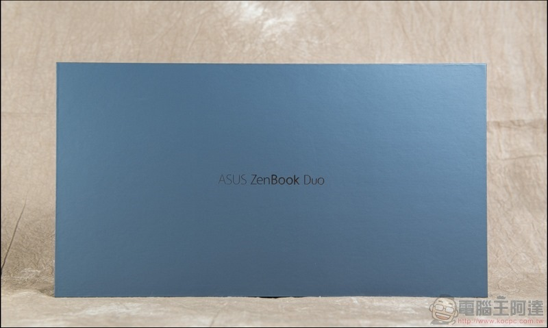 ASUS ZenBook Duo UX481 開箱 - 03