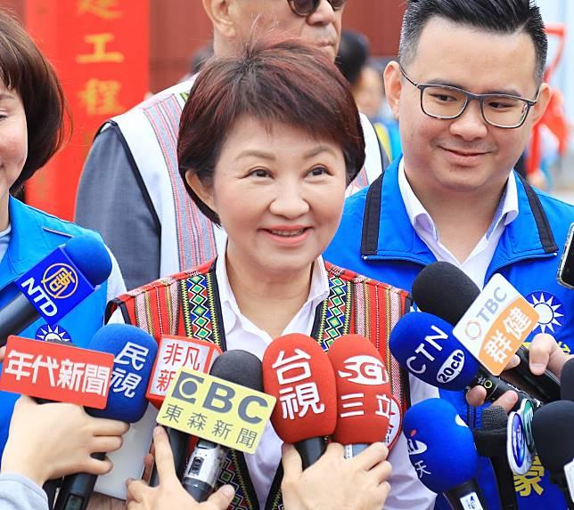 藍營徵召韓國瑜初選 盧秀燕:看牌在出牌