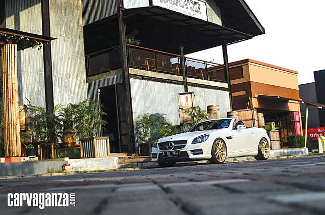 MODIFIKASI: Power Over Beauty Mercedes-Benz SLK 250
