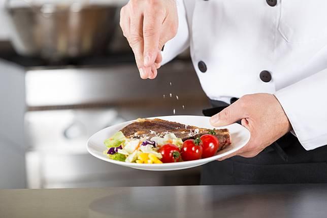 ผลการค้นหารูปภาพสำหรับ ทำไมคนถึงนิยมใส่ผงชูรสลงไปในอาหาร ?