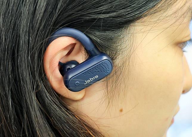 記者實試後感覺耳機佩戴穩定舒適,也有不錯的音質表現,性能全面。