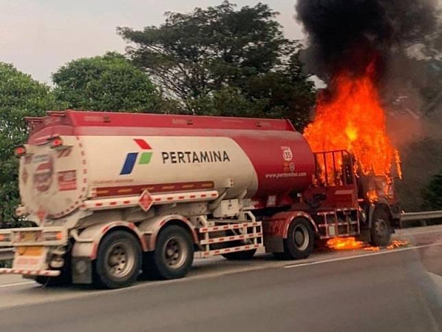 Kebakaran Truk Pertamina di Tol Jagorawi Padam, Arus Lalin Berangsur Normal