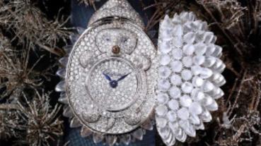 奇幻絕美密鑲工法!蕭邦曠世唯一「Animal World」月光石刺蝟神秘錶 璀璨登台耍可愛