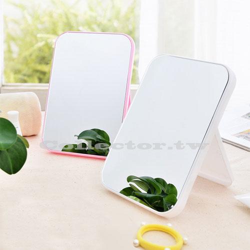 商品介紹 (Product introduction) 【材質】:優質ABS材質底座和鏡框,質地堅硬,結實耐用。 【特點】:多層鍍銀鏡面,鏡面更加清新,不變形。 【功能】:鏡面清晰,讓你更好的發現更美