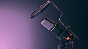 【聽Podcast說】浪潮來襲!Podcast 巨獸策略佈局會怎麼影響創作者們?