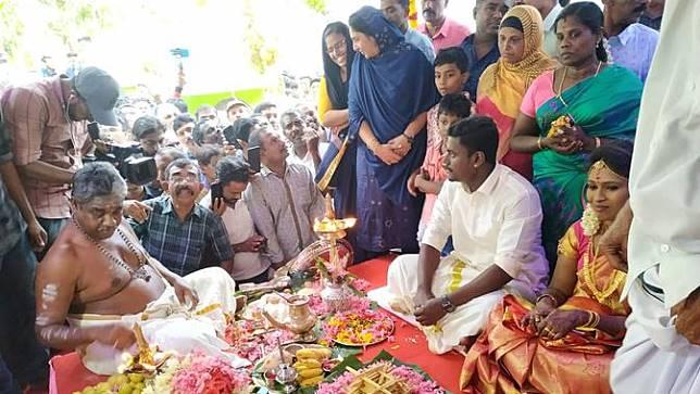 Pernikahan Asha dan Sharath di Masjid Kerala