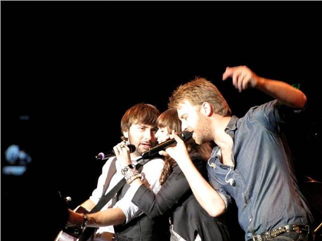 Grup musik country Lady Antebellum kini menggunakan nama panggung Lady A.