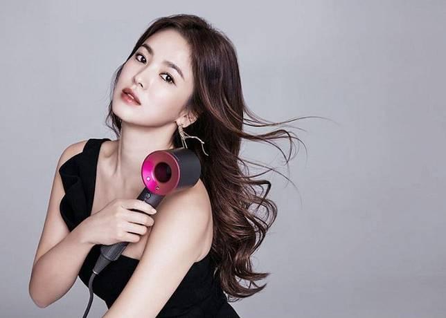 7 Trik Blow Rambut Pakai Hairdryer 92153978ae