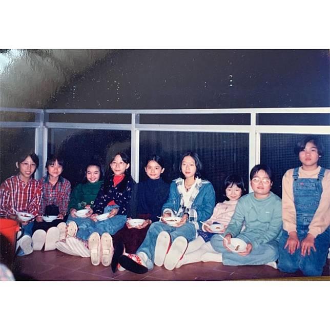 阿Sa(左五)同成班同學仔。